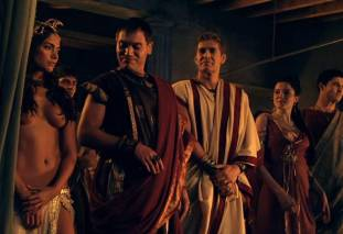 extras bring extended orgy of nude women to spartacus 0435 22