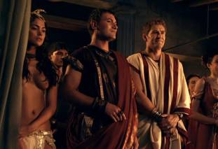 extras bring extended orgy of nude women to spartacus 0435 23