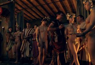 extras bring extended orgy of nude women to spartacus 0435 26