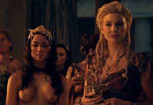 extras bring extended orgy of nude women to spartacus 0435 27