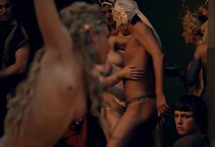 extras bring extended orgy of nude women to spartacus 0435 28