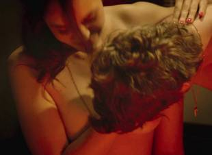 fanny piot topless in la creme de la creme 7552 7