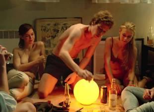 fanny piot topless in la creme de la creme 7552 8