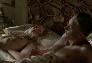 gretchen mol topless to give a bath on boardwalk empire 0950 2