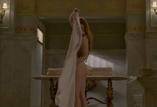 gretchen mol topless to give a bath on boardwalk empire 0950 21