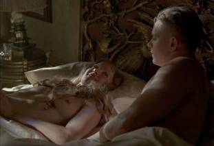 gretchen mol topless to give a bath on boardwalk empire 0950 4
