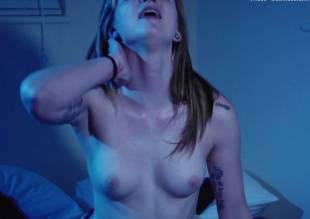 haley madison nude full frontal in scarewaves 9335 33