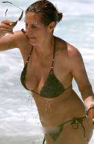 heidi klum breast slips out of bikini in hawaii 0776 5