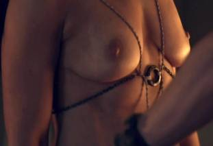 jenna lind topless on spartacus blood and sand 1307 10