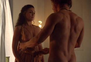 jenna lind topless on spartacus blood and sand 1307 4