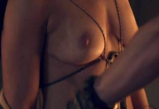 jenna lind topless on spartacus blood and sand 1307 9