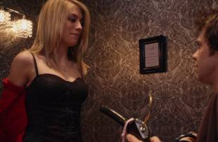 jennifer holland topless in the change room from american pie 8347 1