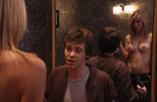 jennifer holland topless in the change room from american pie 8347 10