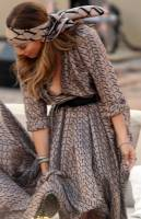 jennifer lopez breast spills out of her dress 3048 3