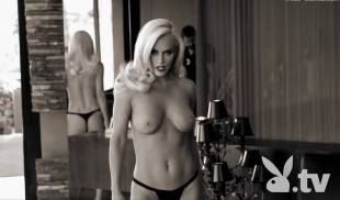jenny mccarthy nude full frontal behind scenes of first playboy shoot 9027 6