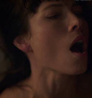 jessica biel topless for a glimpse in the sinner 5387 20