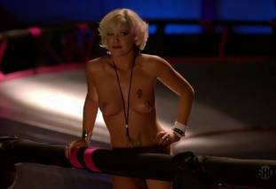 jessica kiper nude and full frontal in rollerskates on weeds 9275 10