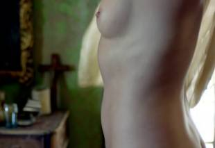 jessica parker kenned  hannah new nude together on black sails 0872 11