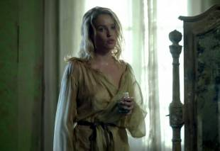 jessica parker kenned  hannah new nude together on black sails 0872 13