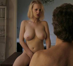 joanna kulig nude scenes from elles 6245 5