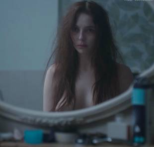 jodie comer topless in thirteen 4959 11