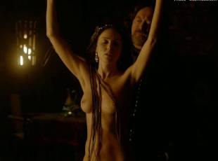 karen hassan nude top to bottom in vikings 5879 10
