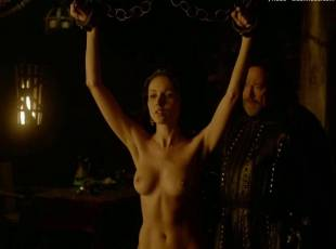karen hassan nude top to bottom in vikings 5879 15