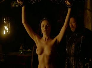 karen hassan nude top to bottom in vikings 5879 16