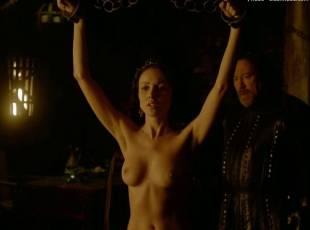 karen hassan nude top to bottom in vikings 5879 16