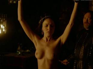 karen hassan nude top to bottom in vikings 5879 17