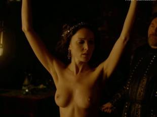 karen hassan nude top to bottom in vikings 5879 18