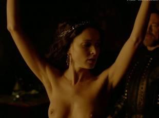karen hassan nude top to bottom in vikings 5879 20