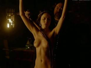 karen hassan nude top to bottom in vikings 5879 9