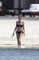 karen mulder topless for a tan in mauritius 9315 1