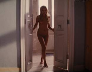 katarina cas nude full frontal in wolf of wall street 5325 1