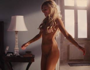 katarina cas nude full frontal in wolf of wall street 5325 15