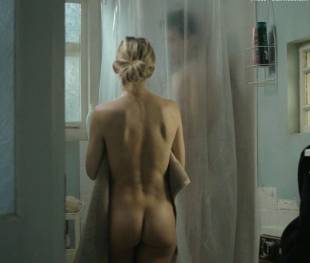 kate hudson nude for shower in good people 7131 12