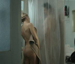 kate hudson nude for shower in good people 7131 16