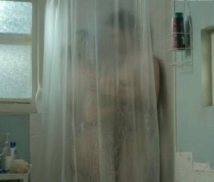 kate hudson nude for shower in good people 7131 5