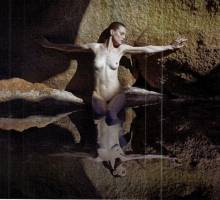 kate moss nude with guinevere van seenus malgosia bela for pirelli 7398 3
