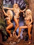 kendra wilkinson nude with her girls next door 0384 7