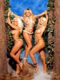 kendra wilkinson nude with her girls next door 0384 8