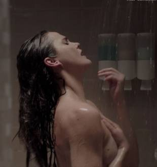keri russell nude ass in shower in the americans 4036 17