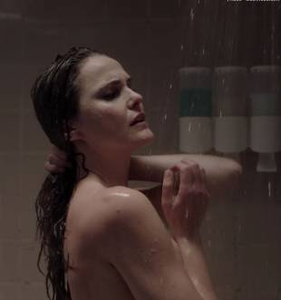 keri russell nude ass in shower in the americans 4036 20