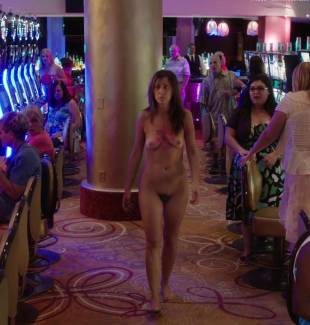 kristen wiig nude full frontal in welcome to me 8692 10