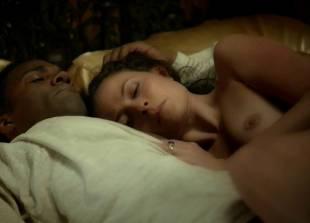 lara pulver nude on her back in da vinci demons 7110 14