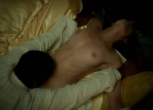 lara pulver nude on her back in da vinci demons 7110 2