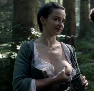 laura donnelly topless to squeeze milk on outlander 8161 15