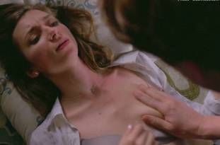 lauren lapkus topless in crashing 2295 11