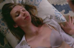 lauren lapkus topless in crashing 2295 15